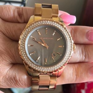 Michael Kors Accessories - Michael Kors watch. Dial dark mother of pearl.